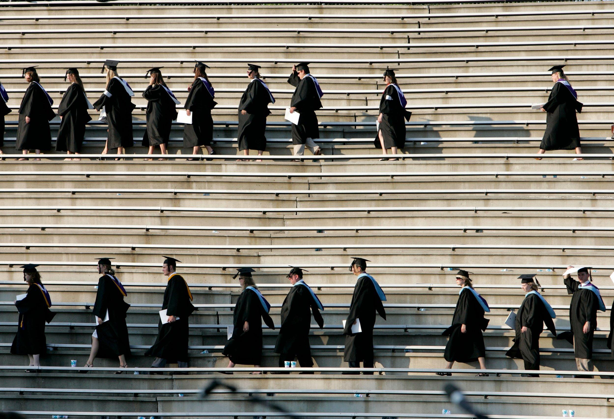 06_08_graduates_01