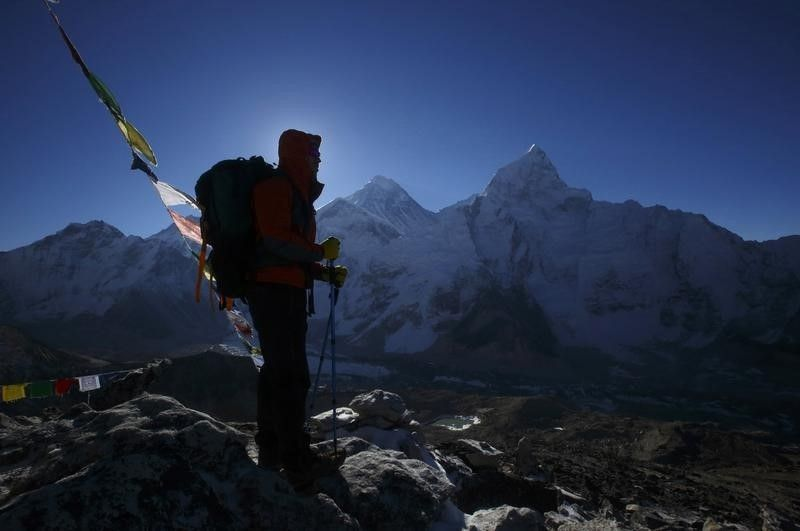 is everest safe to climb again?