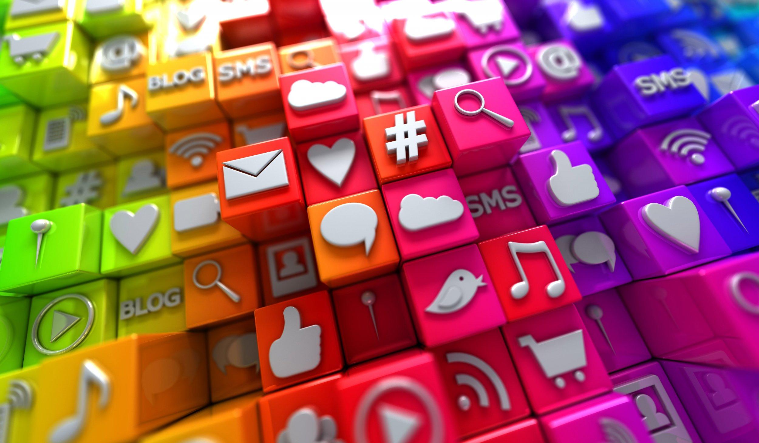 06_15_SocialMedia_01