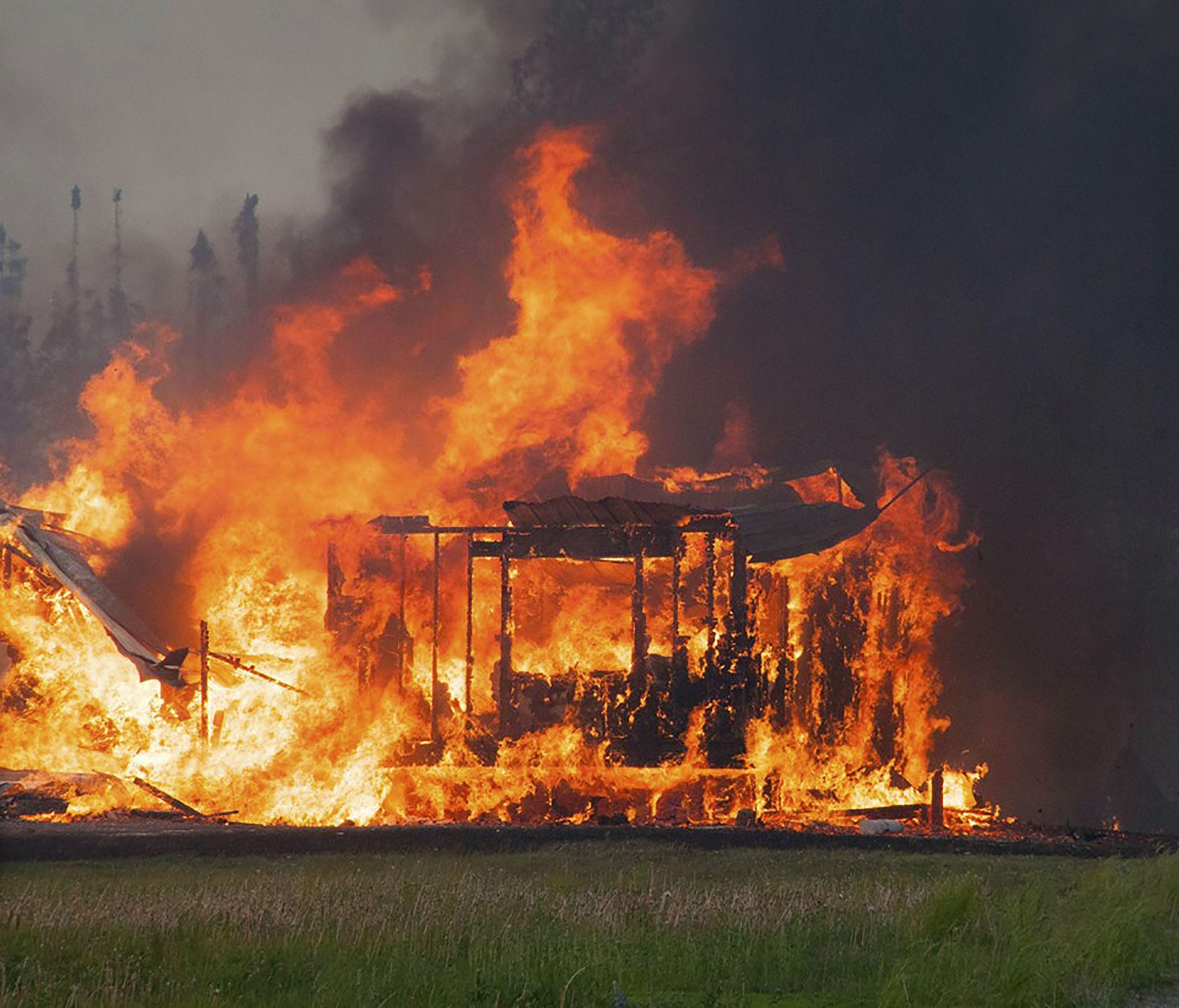 alaska crews battle second wildfire since sunday