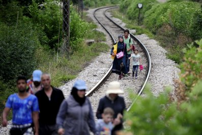 Hungary Builds Wall to Keep Migrants Out