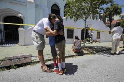 2015-06-18T190643Z_244393681_TB3EB6I1H2VA2_RTRMADP_3_USA-SHOOTING-SOUTH-CAROLINA