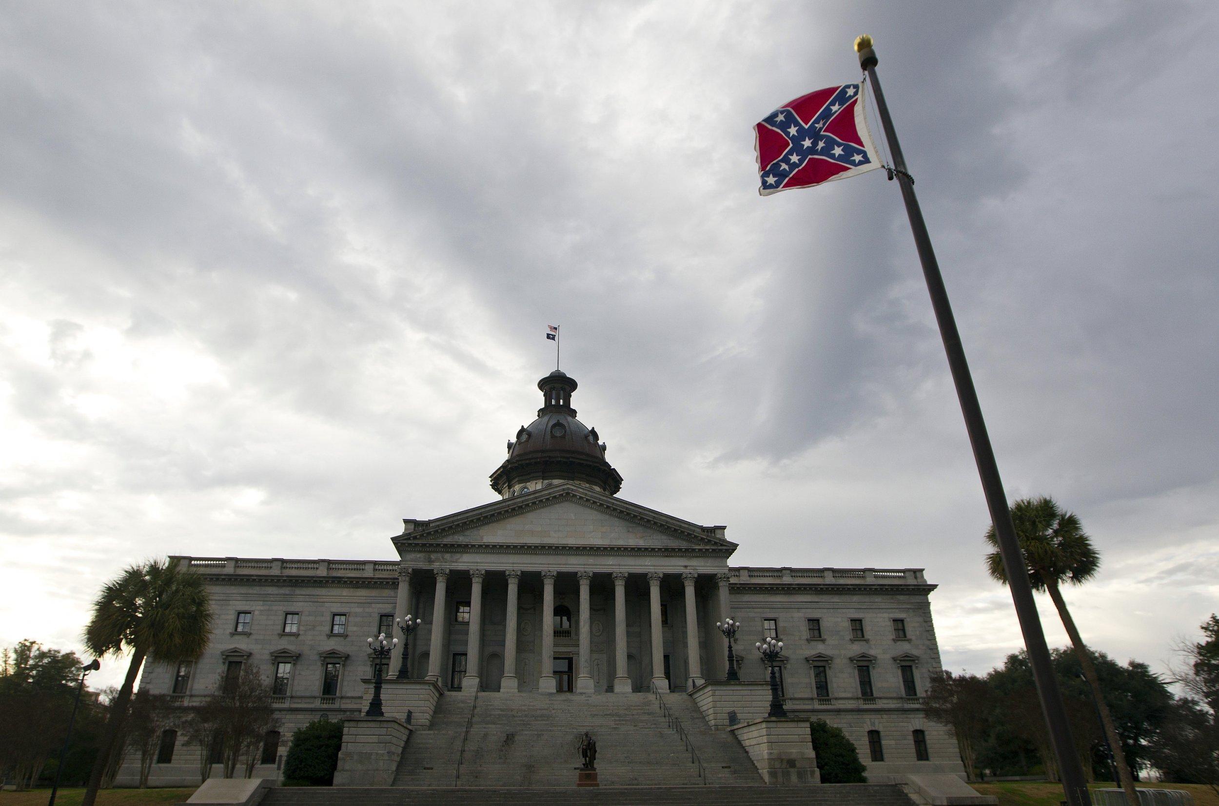 6-19-15 SC Statehouse Confederate flag