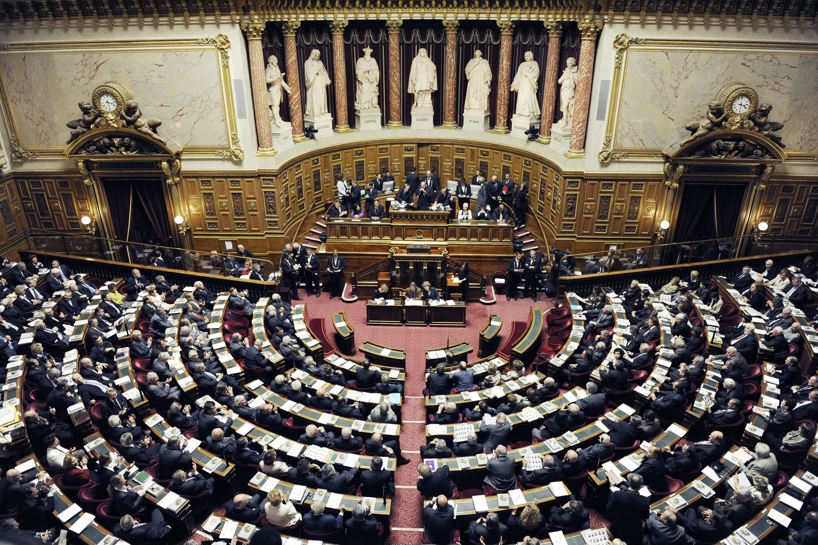 France mulls age cap on MPs