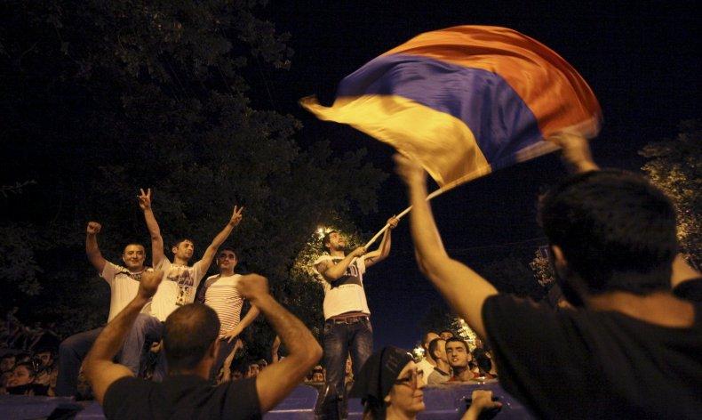 2015-06-24T085810Z_391004492_GF10000137536_RTRMADP_3_ARMENIA-PROTEST
