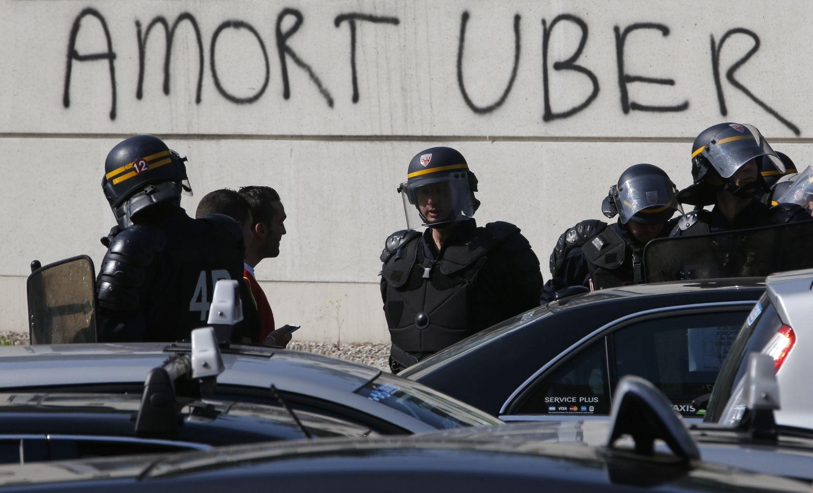 French Uber taxi protest