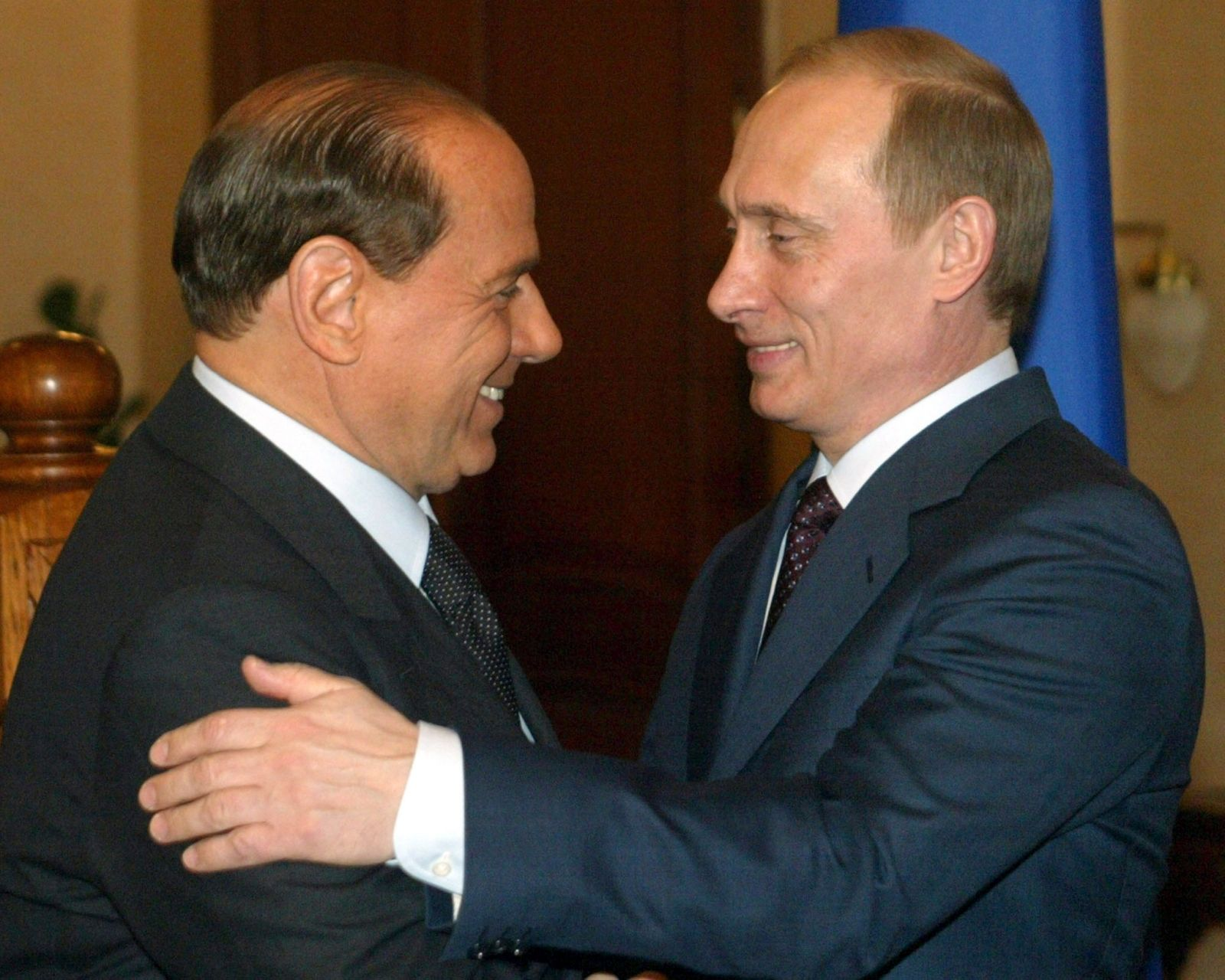 Berlusconi and Putin's friendship