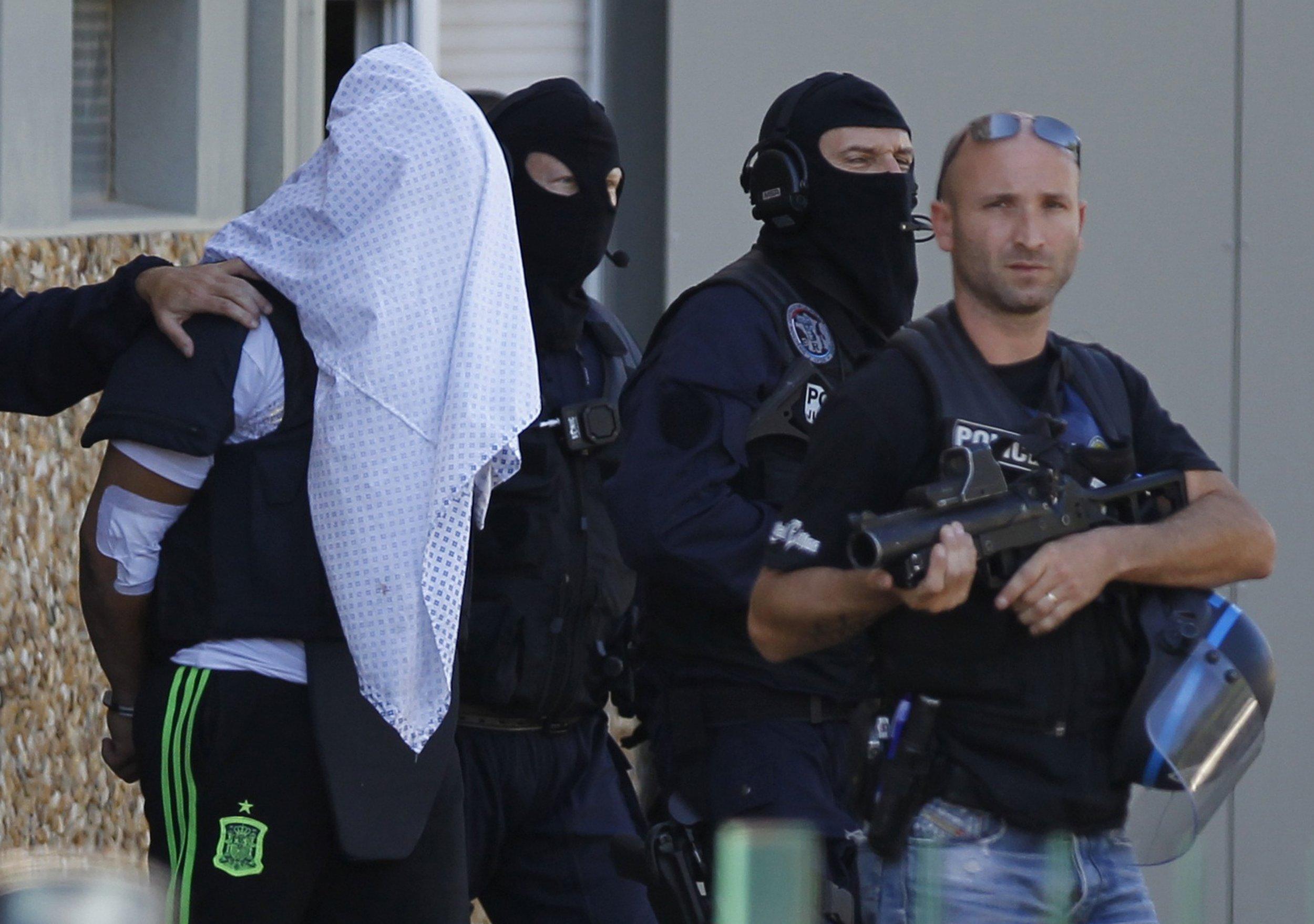 0629_france_decapitation_suspect