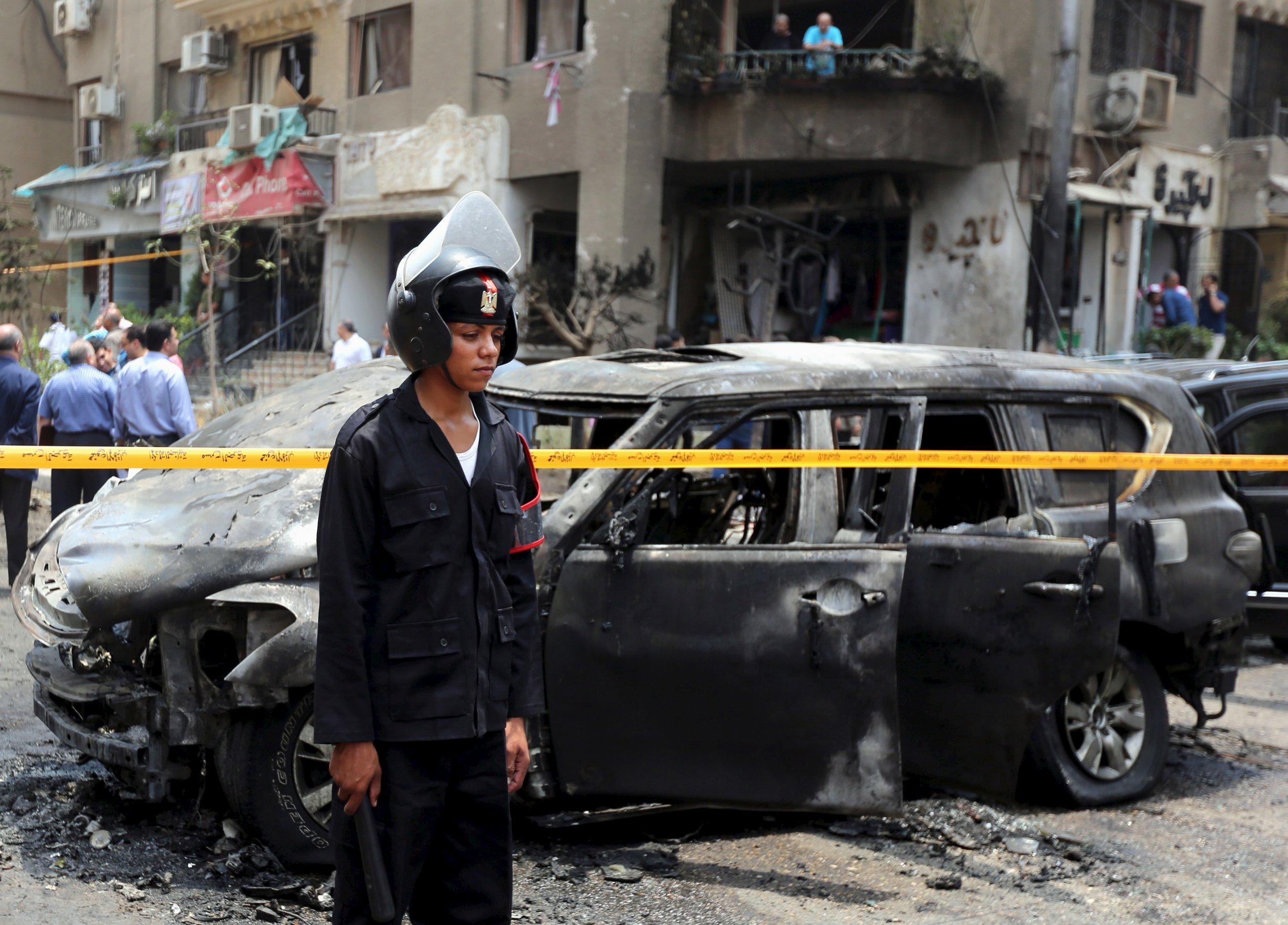 2015-06-30T144437Z_1_LYNXNPEB5T0RW_RTROPTP_4_EGYPT-VIOLENCE