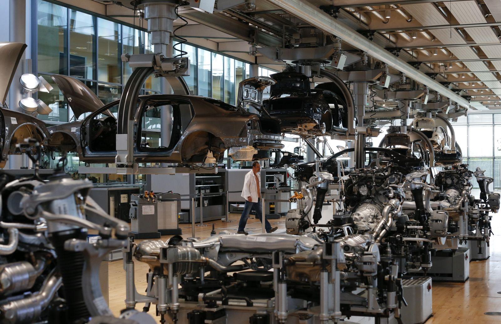 Volkswagen robot kills man