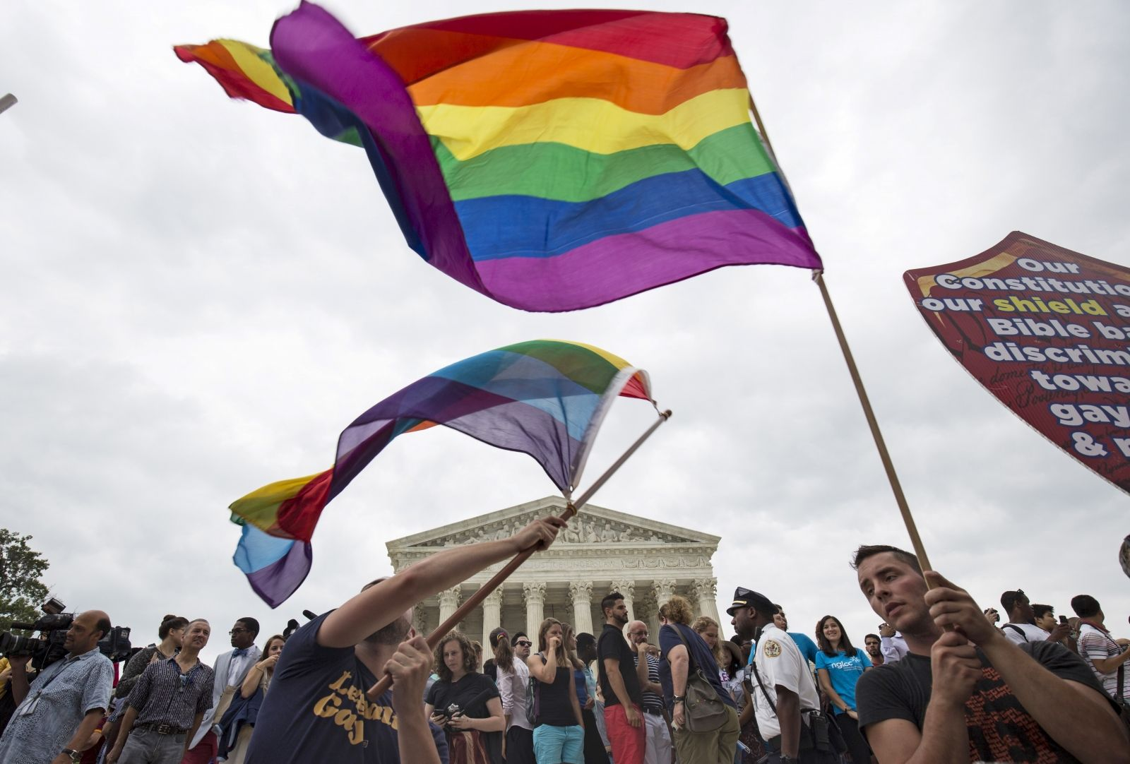 Supreme Court votes legalise gay marriage