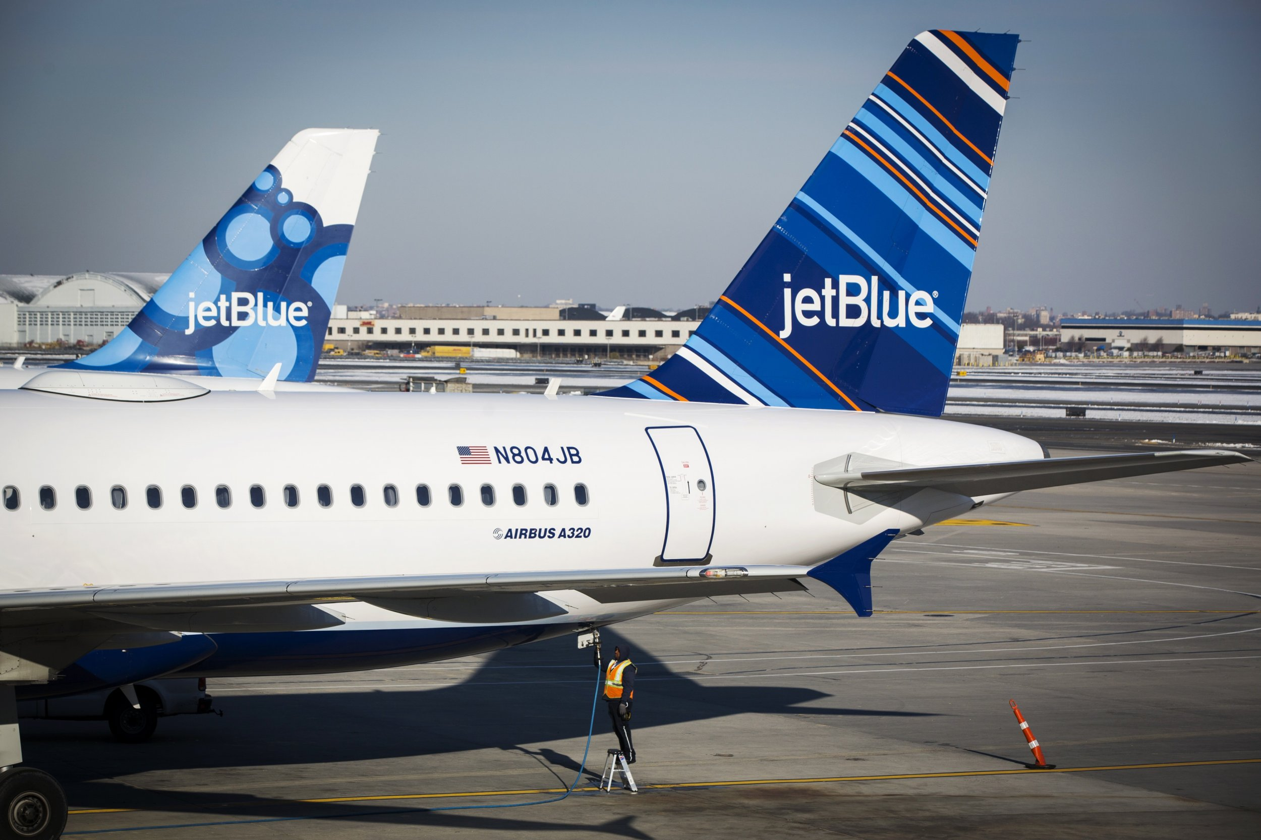 jetblue business culture Jetblue's original business plan called for 11 mint-equipped airplanes, but by the end of this quarter, the airline will have 34, executives said fifteen of the 16 airbus a321s jetblue took.