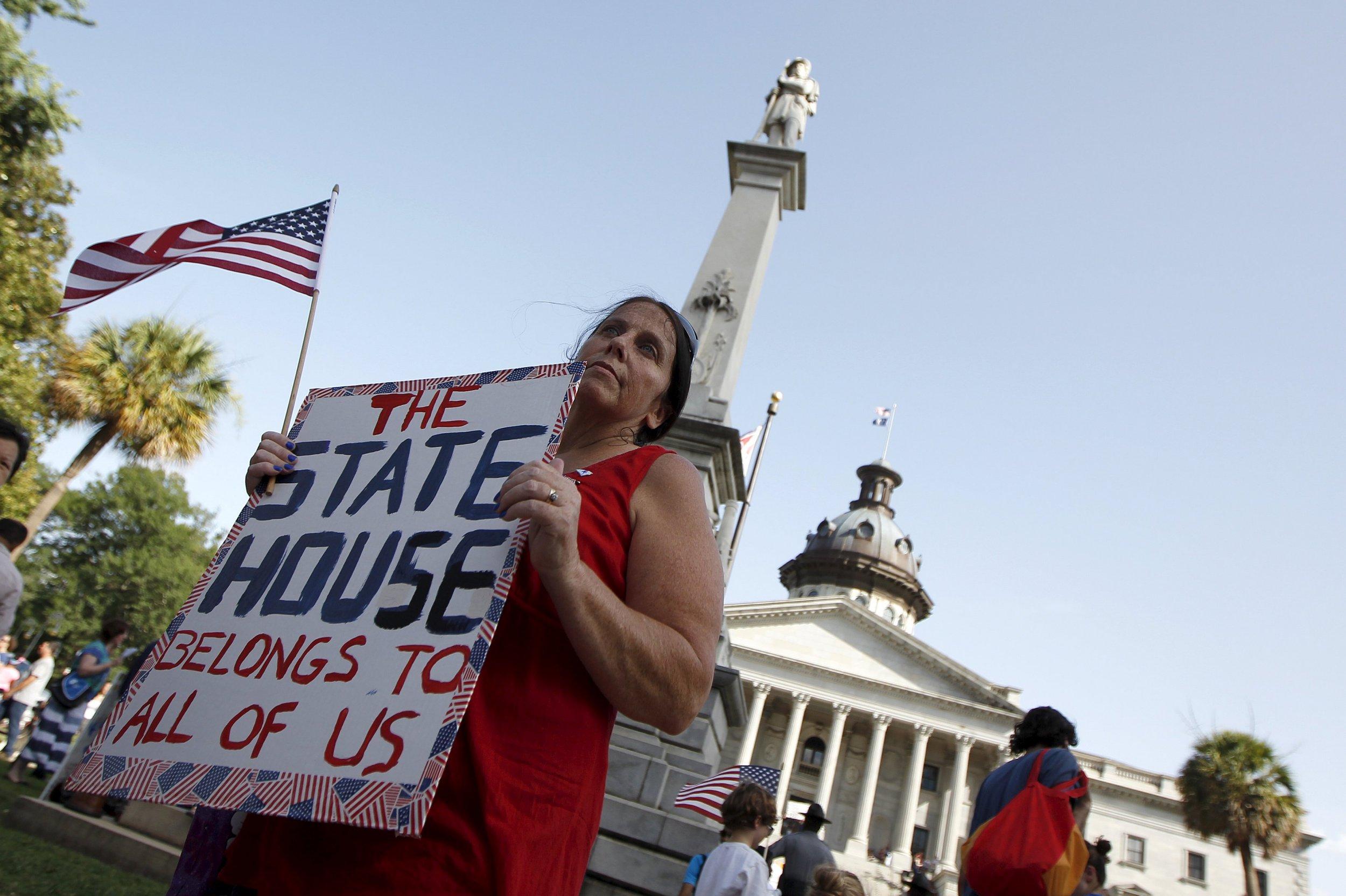 South Carolina Advances Bill to Take Down Confederate Flag