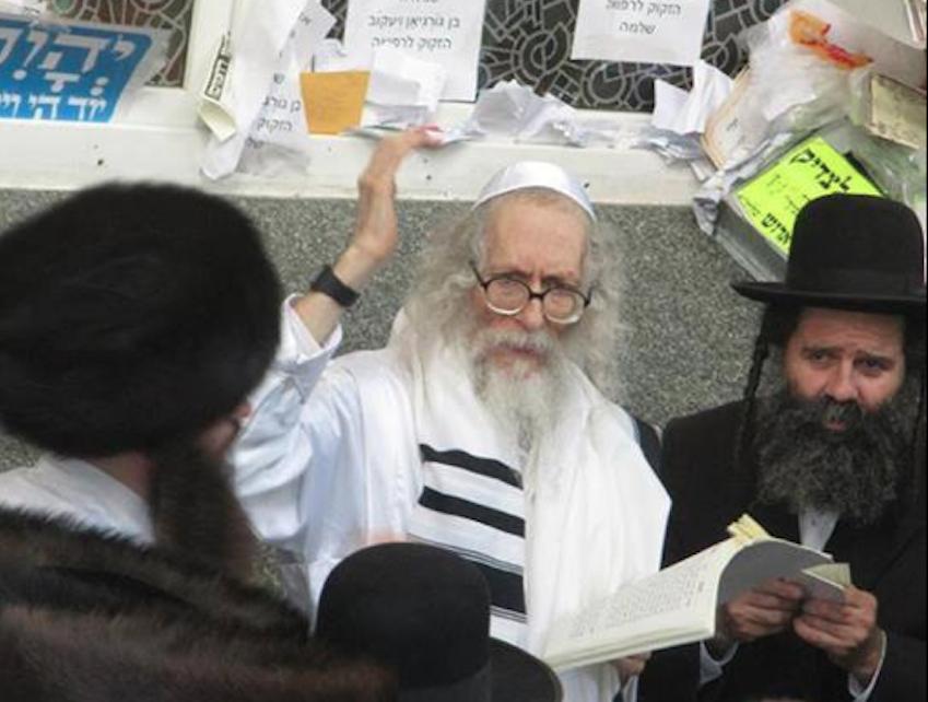 Sex Rabbi flees