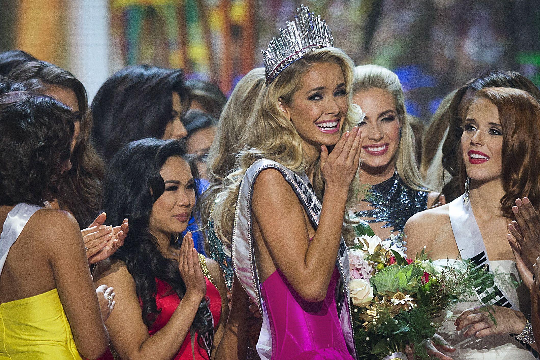 Lesbian beauty pageants ebony