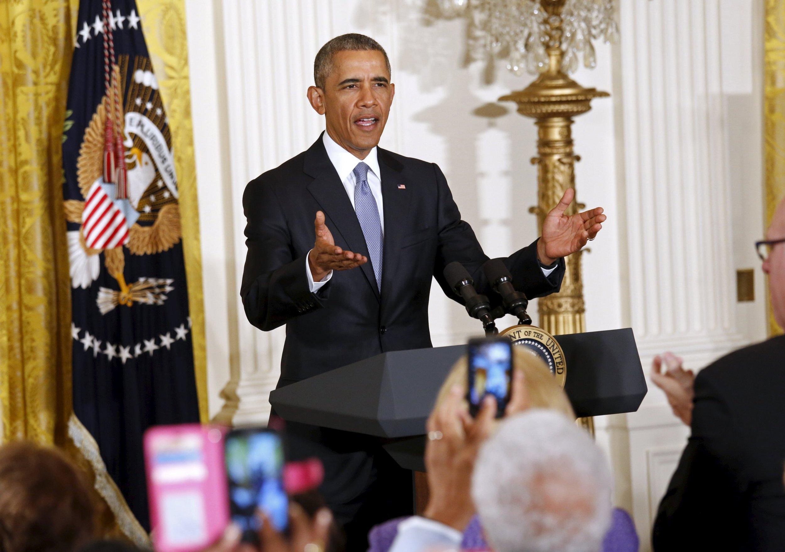 Obama commutes sentences of 46 prisoners