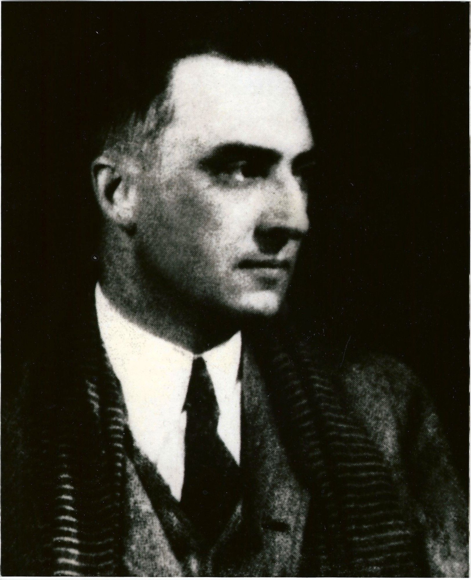 """an analysis of the young housewife a poem by william carlos williams The poet and doctor william carlos williams, who wrote """"the red wheelbarrow"""" credit associated press he discovered that rutherford, unlike other cities in new jersey, did not require that."""
