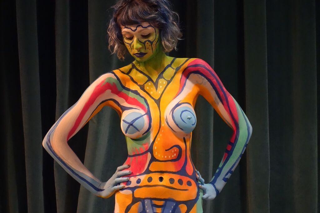 Cool Nude Body Art 1600 X 900
