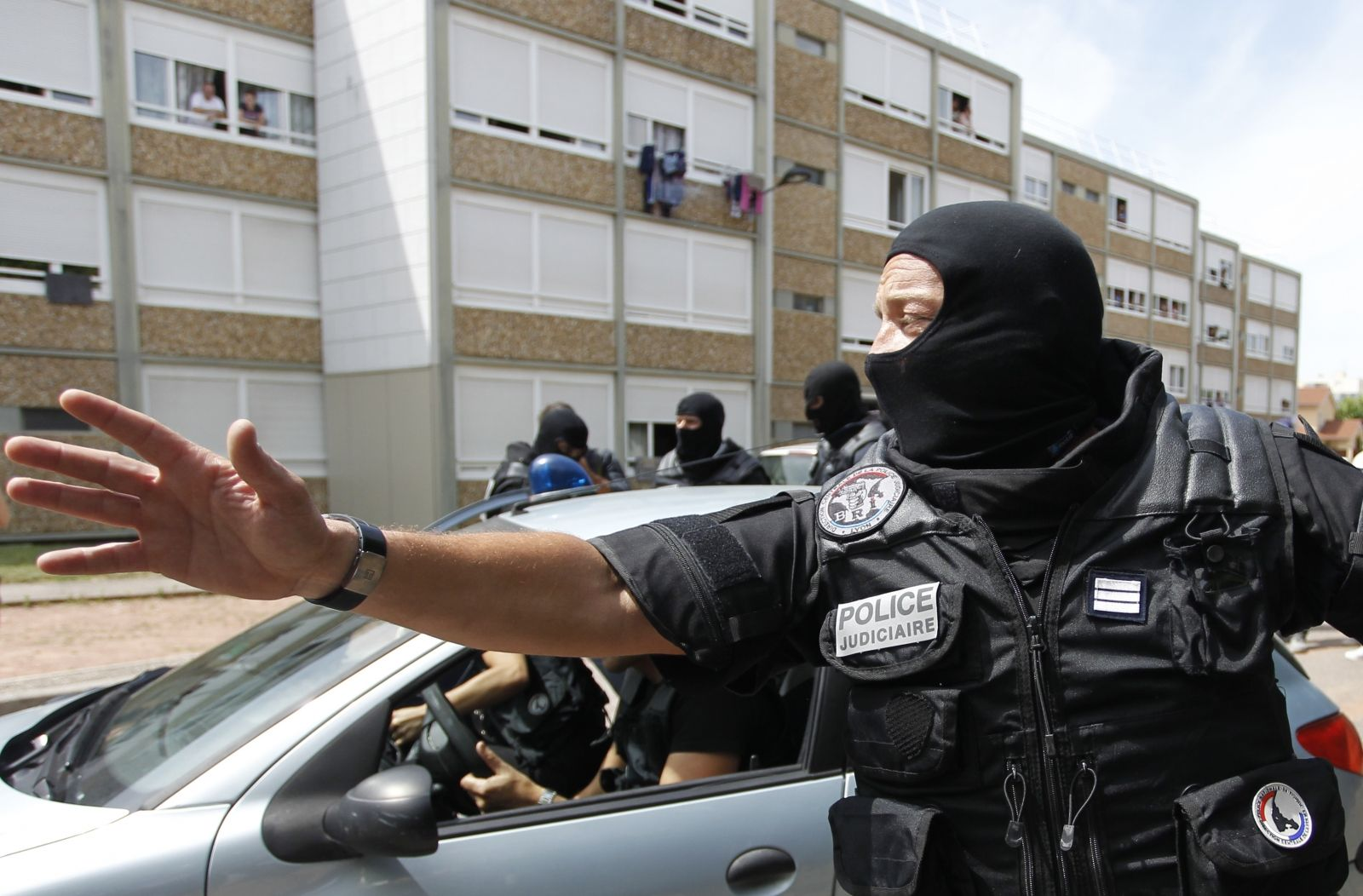 French police thwart terror plot