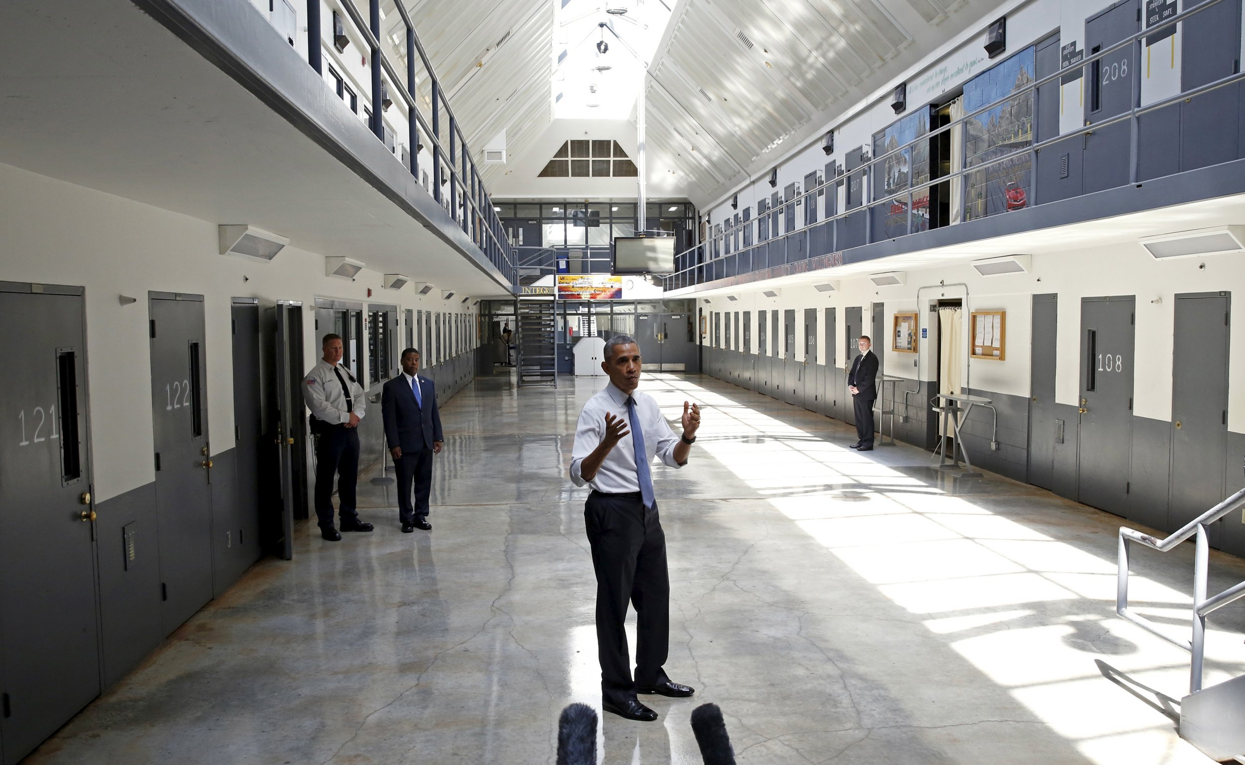 the issue of overcrowding prisons in the united states Various states in the us are struggling with the issue of prison overcrowding owing to prison overcrowding in the united states prisons in the present day.
