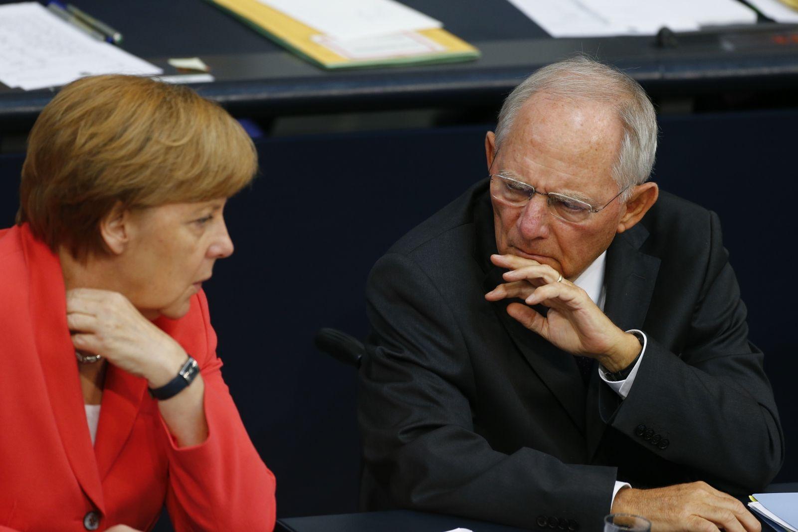 Germany backs Greek bailout