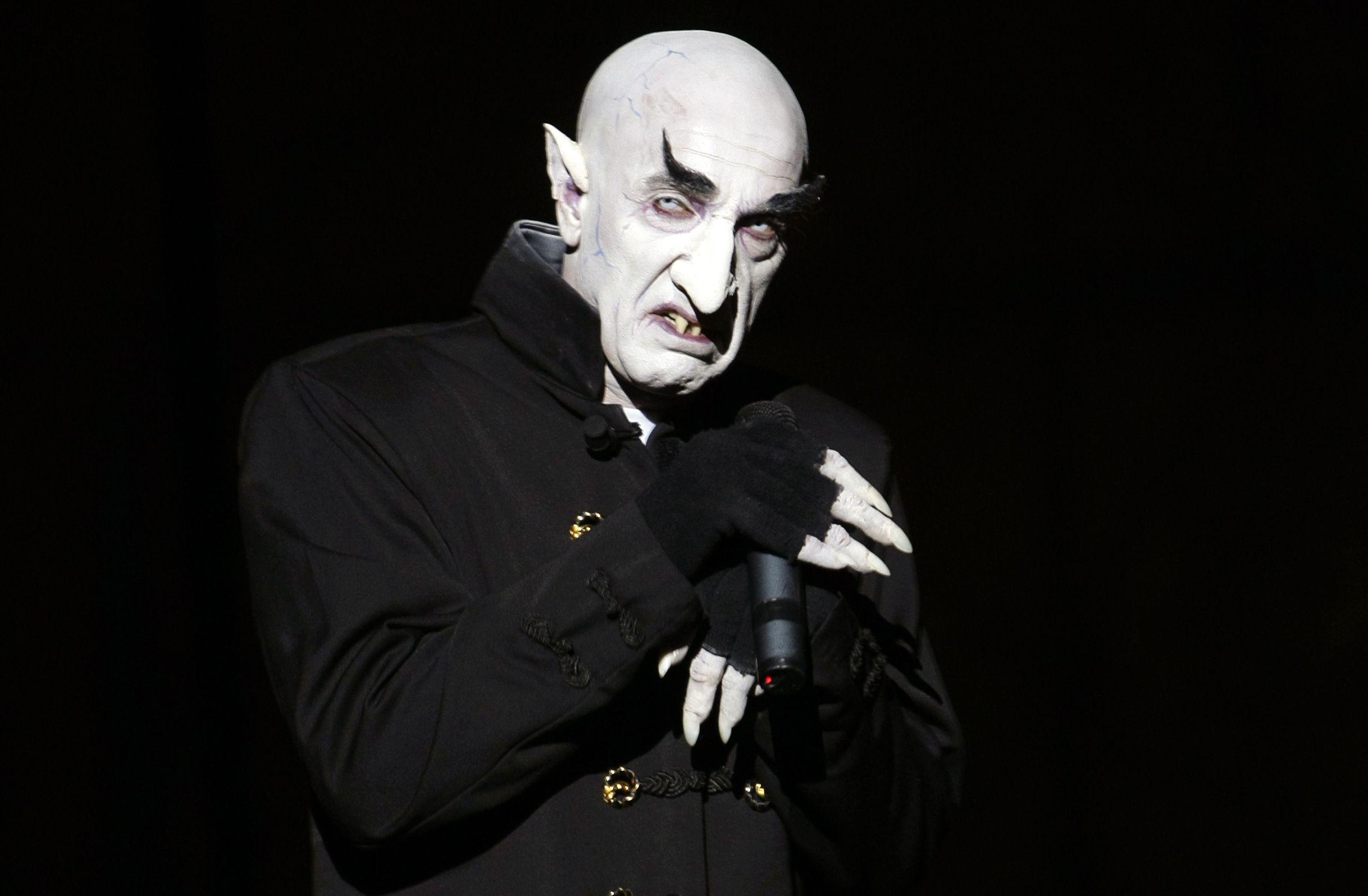 Head Case: Nosferatu Director Murnau's Skull Swiped From ...