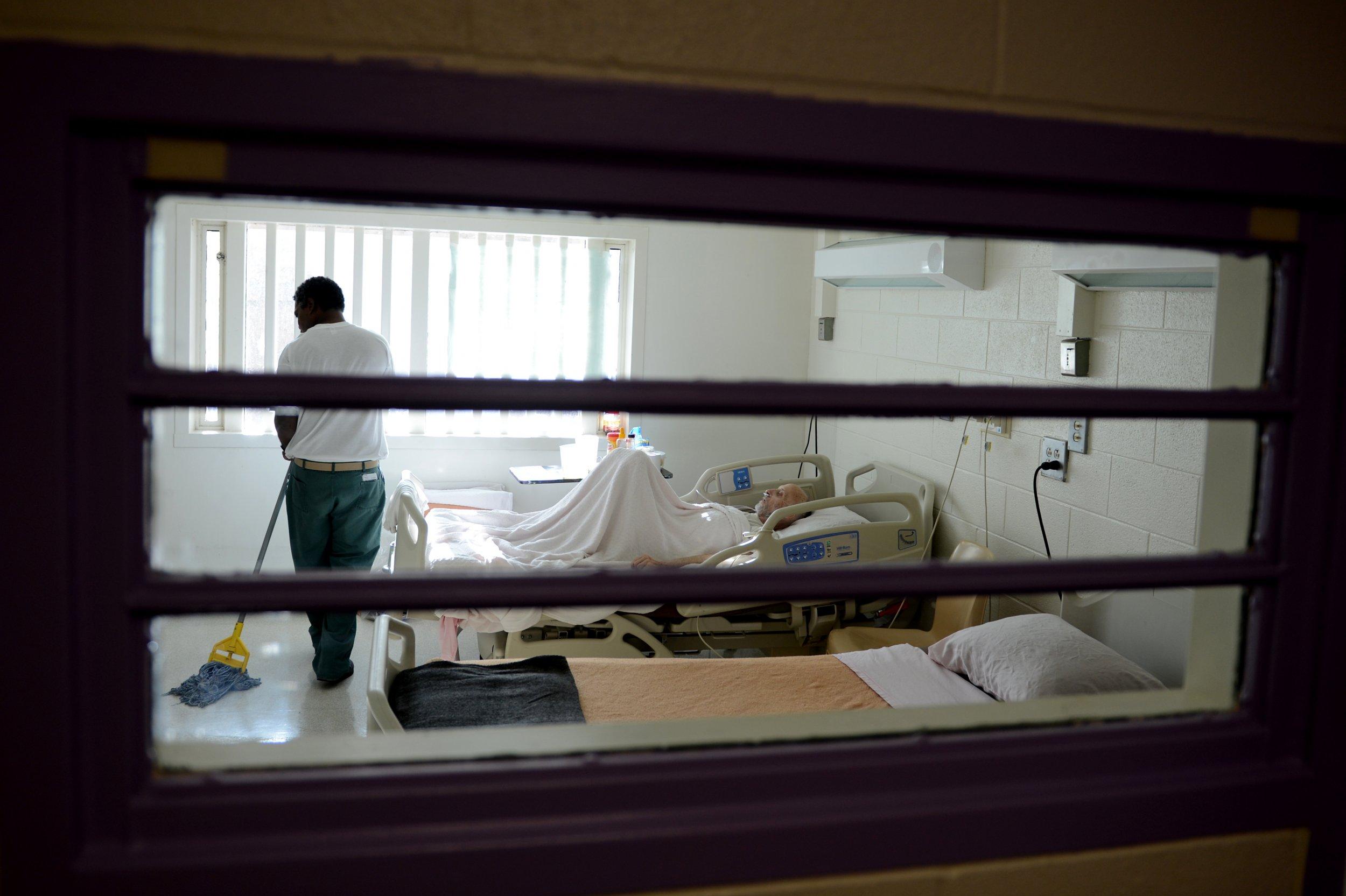 07_31_Prisons_01