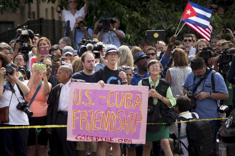 Cuba crowd