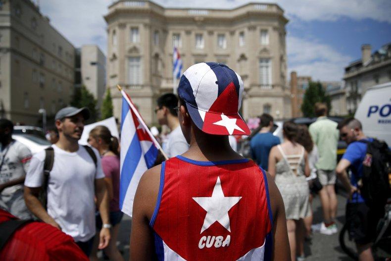 Cuba crows1