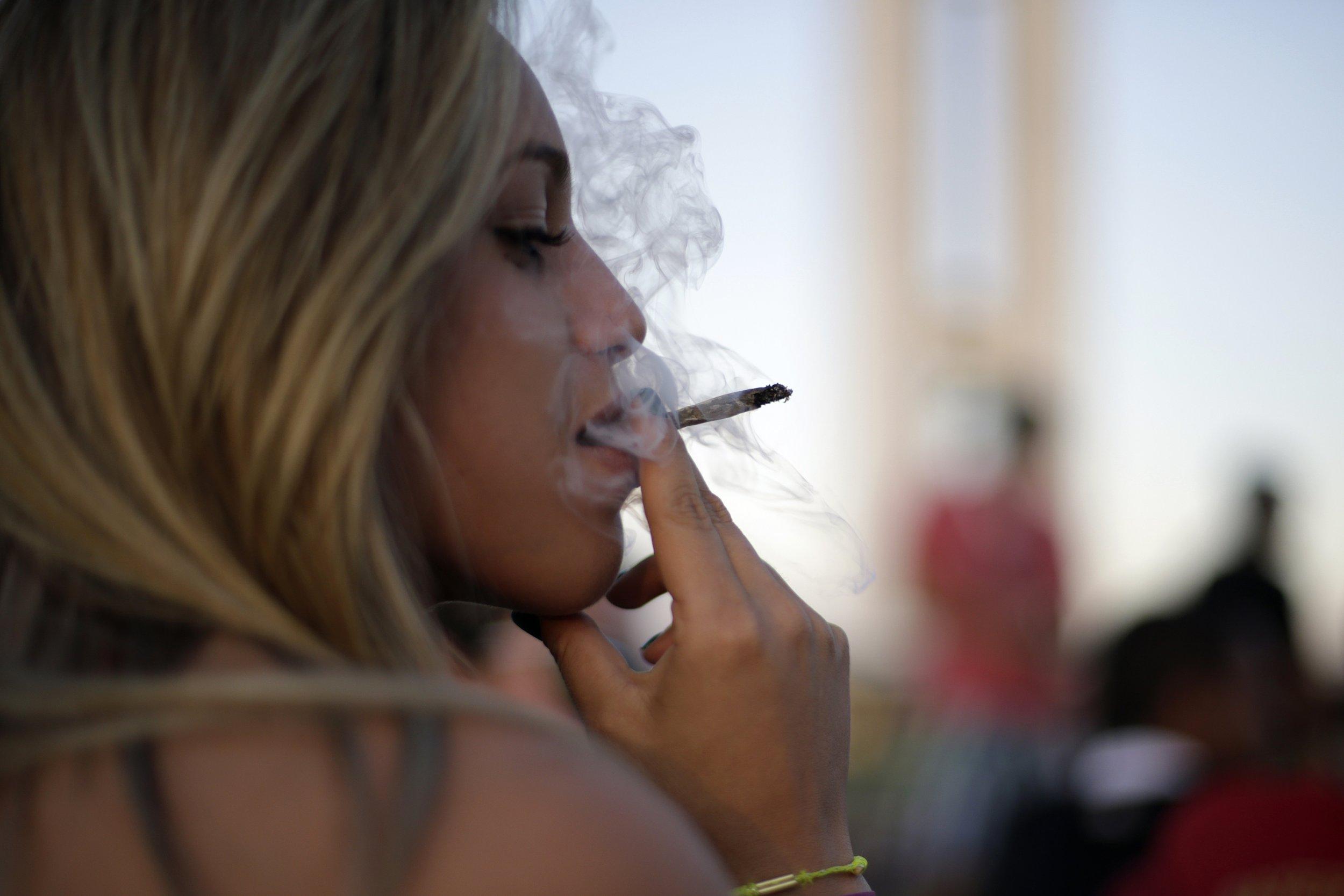 weed smoking dating sites