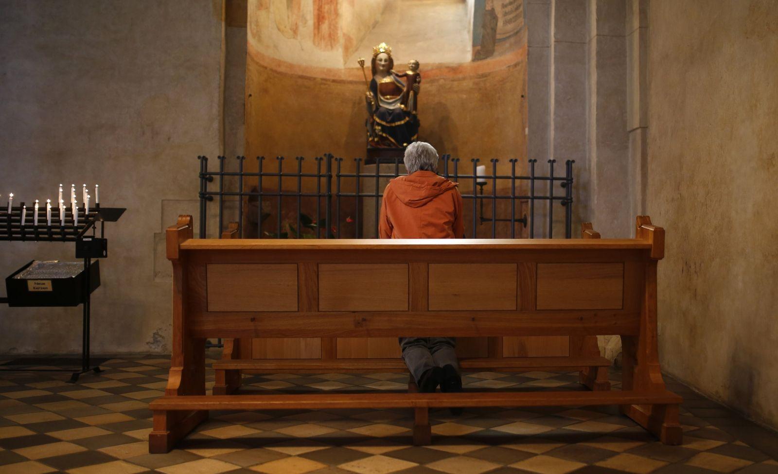 Germany Catholic Church members leave