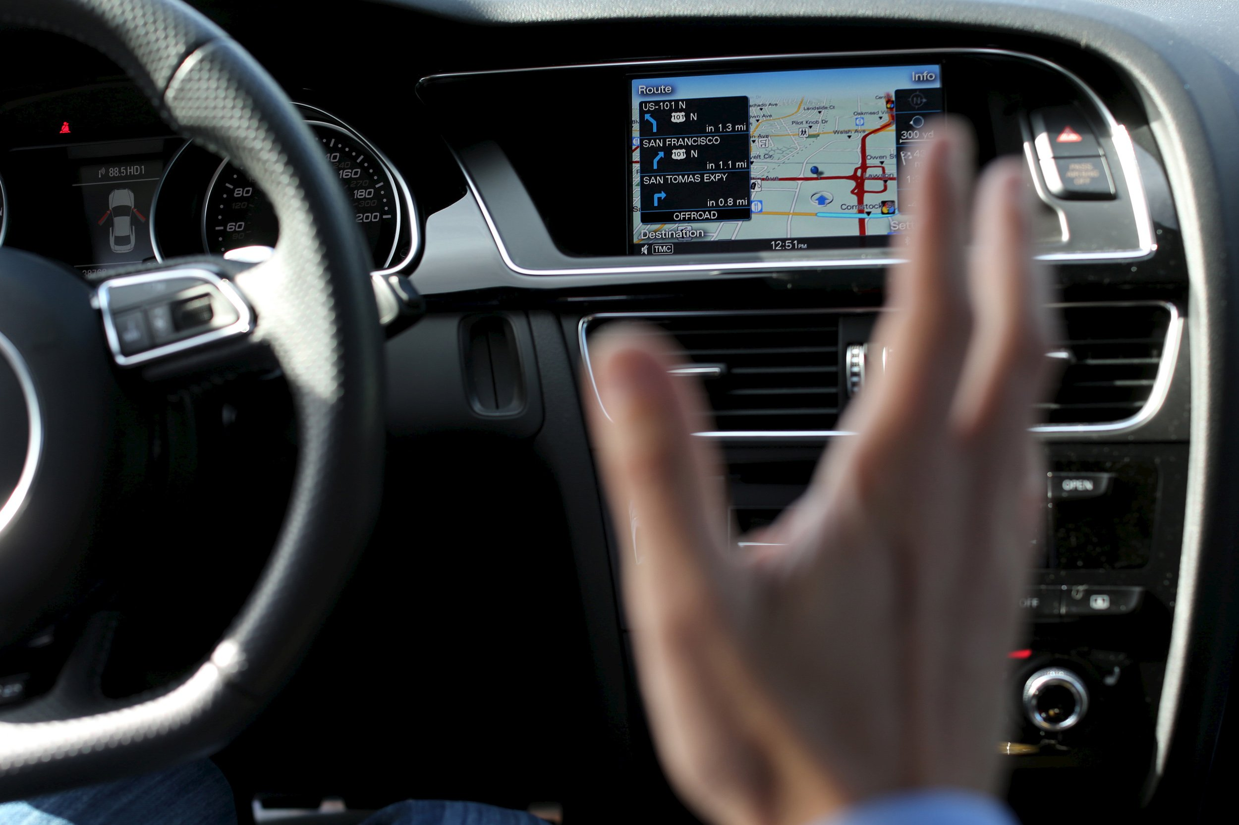 Your Car Can Be Hacked, and Two Senators Want to Stop It