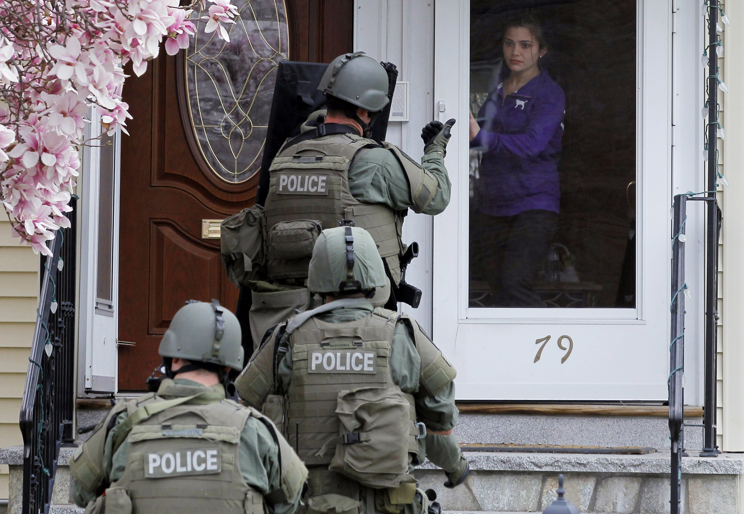 and cops Swat