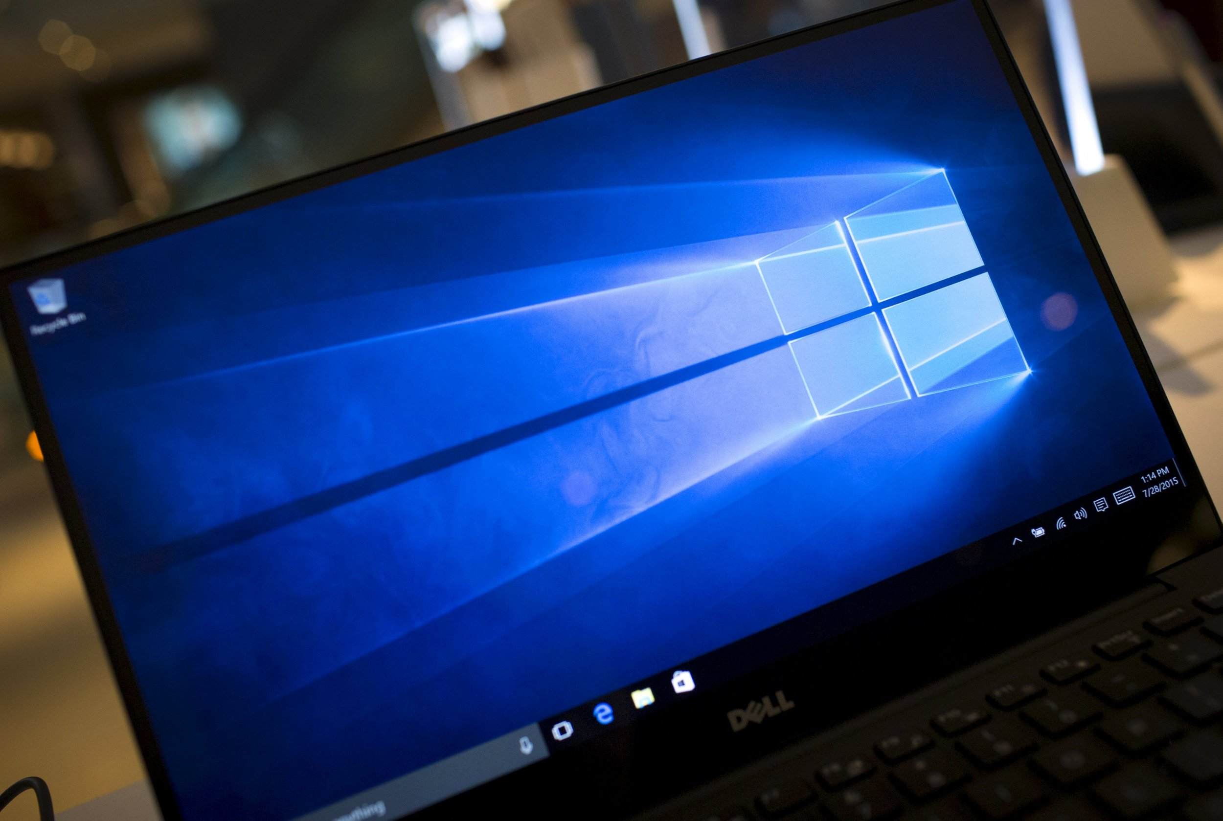 Why You Should Wait for Microsoft Windows 10 Update