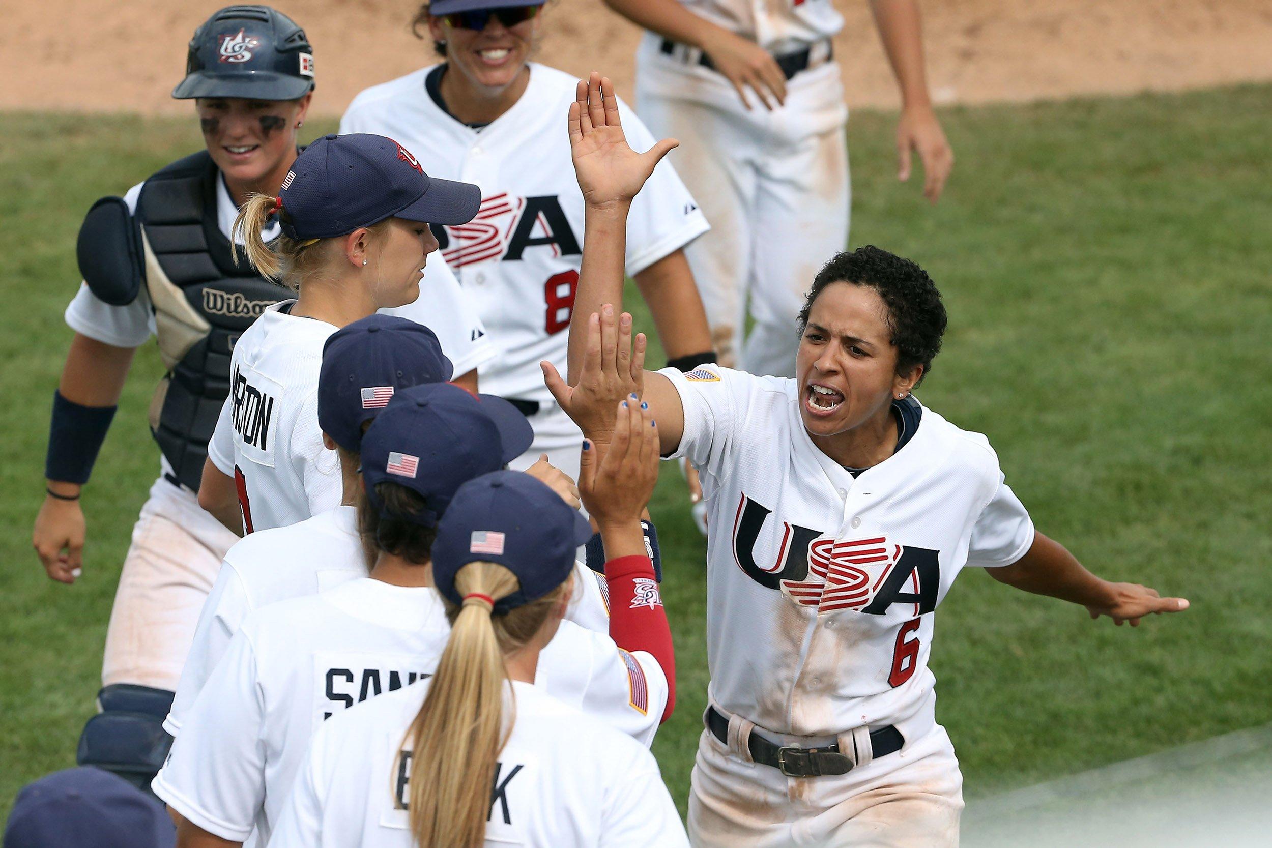 07_30_USAWomensBaseball_01