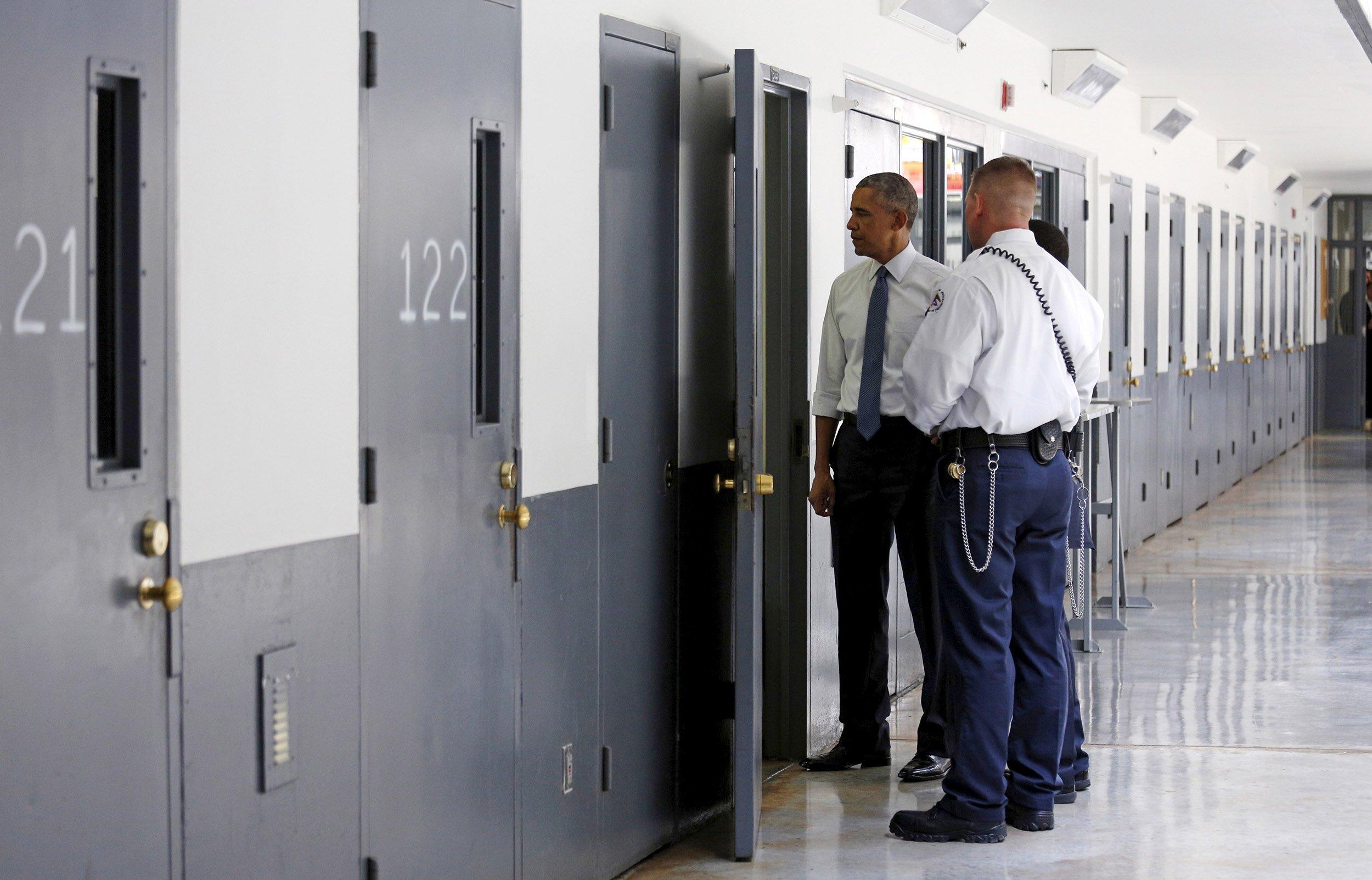 07_30_PrisonDrugOffenders_01