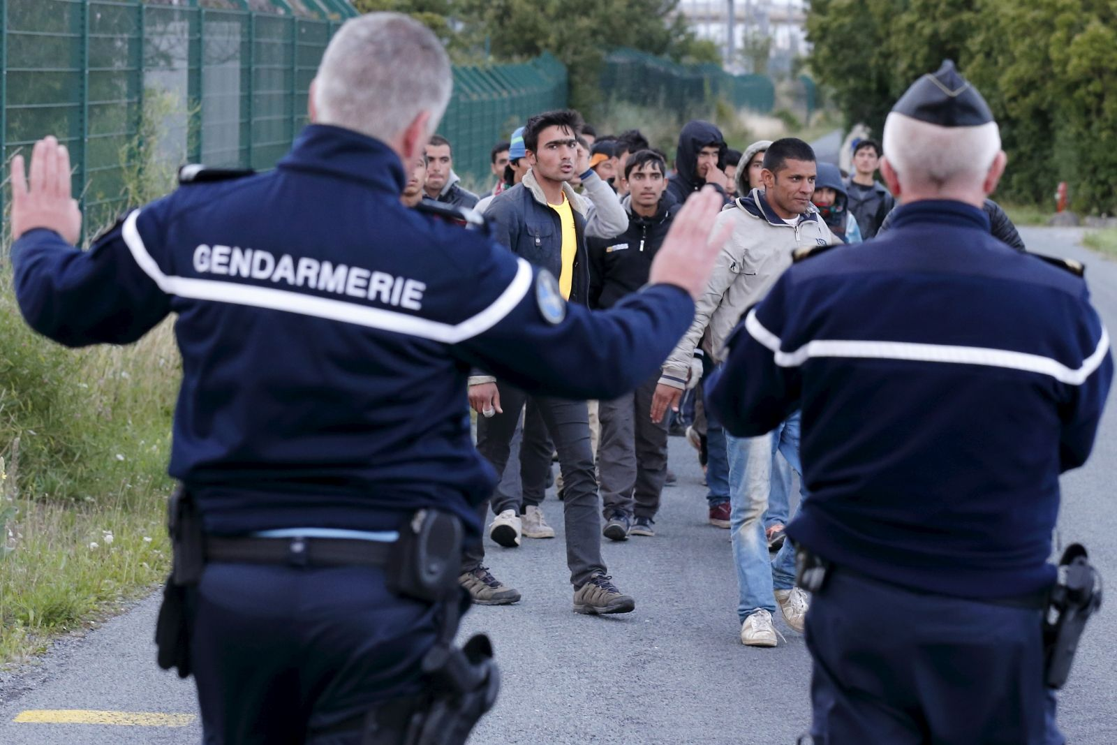 EU helps with Calais migrant crisis