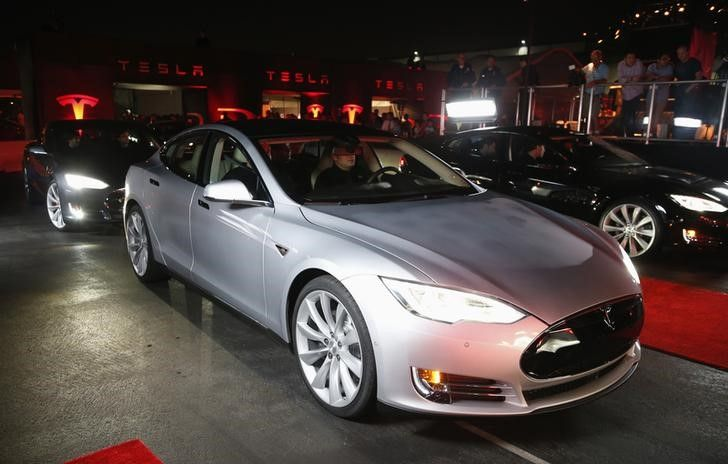 Tesla loses $4,000 for every car it sells