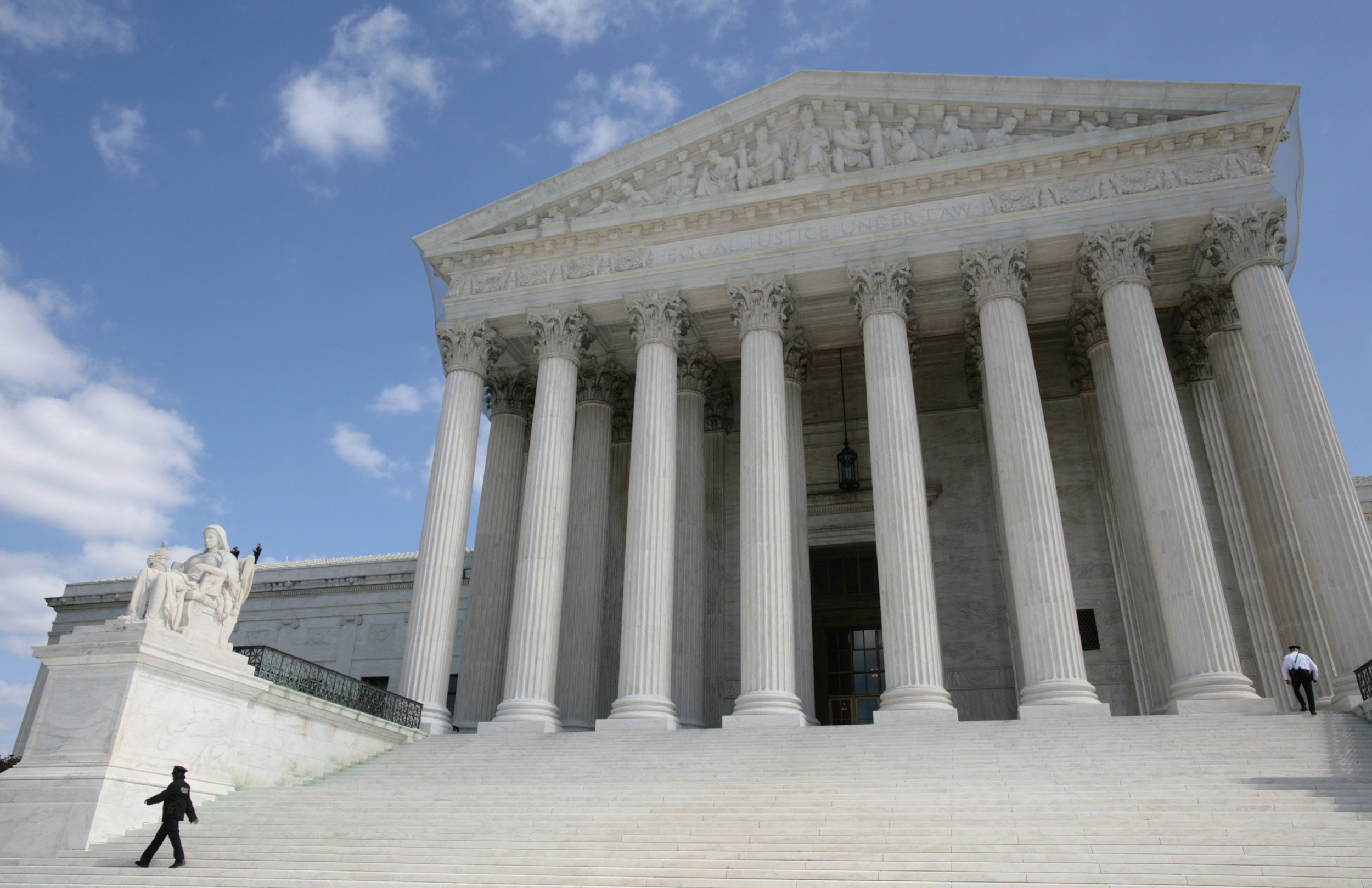 08_10_SupremeCourt_01