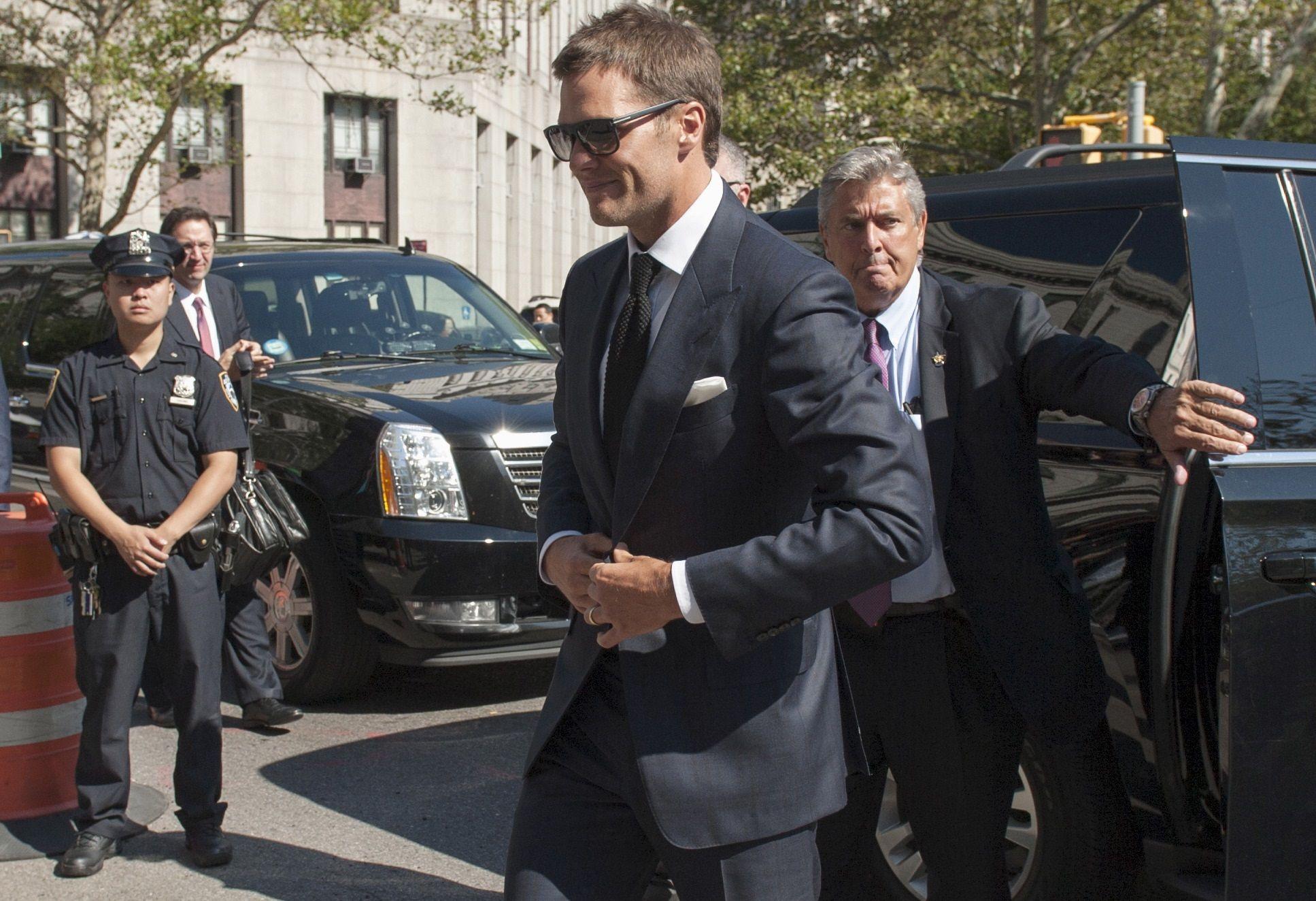 0812_Tom_Brady_lawsuit_01