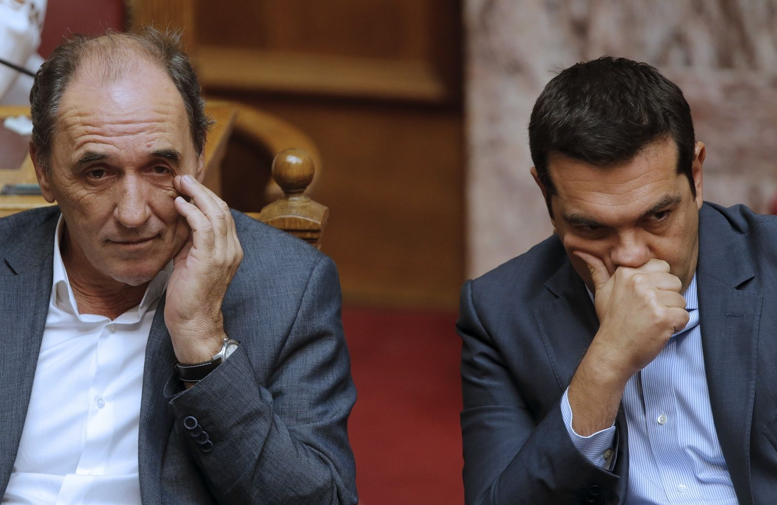 Greece approves Tsipras bailout