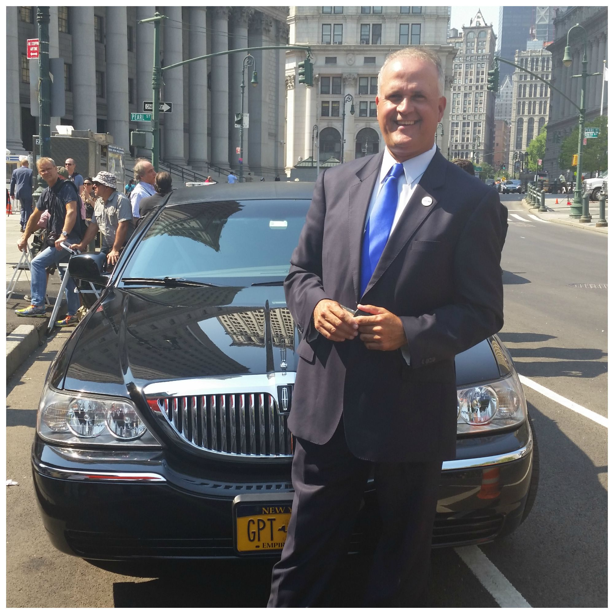 this guy drives donald trump 39 s limo. Black Bedroom Furniture Sets. Home Design Ideas