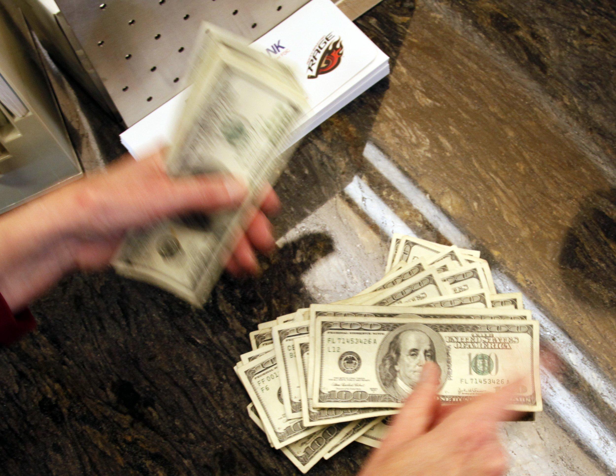 08_17_Money_01