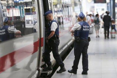 0825_Train_Attack_01