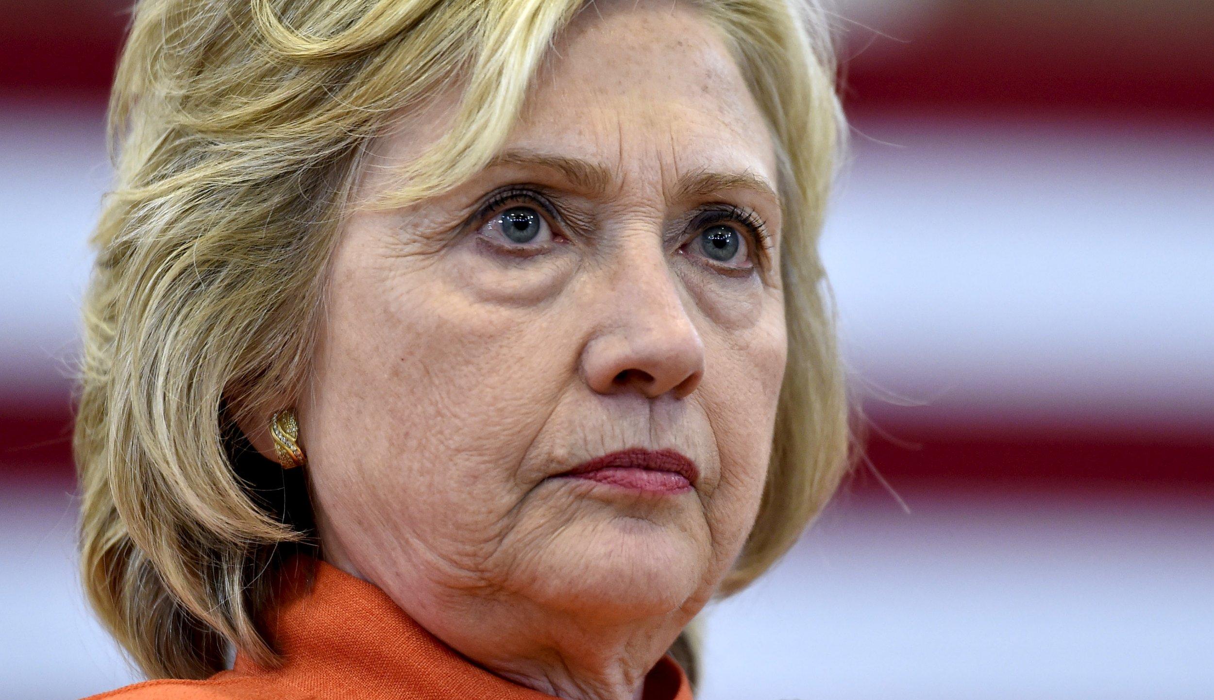 08_26_Hillary_01