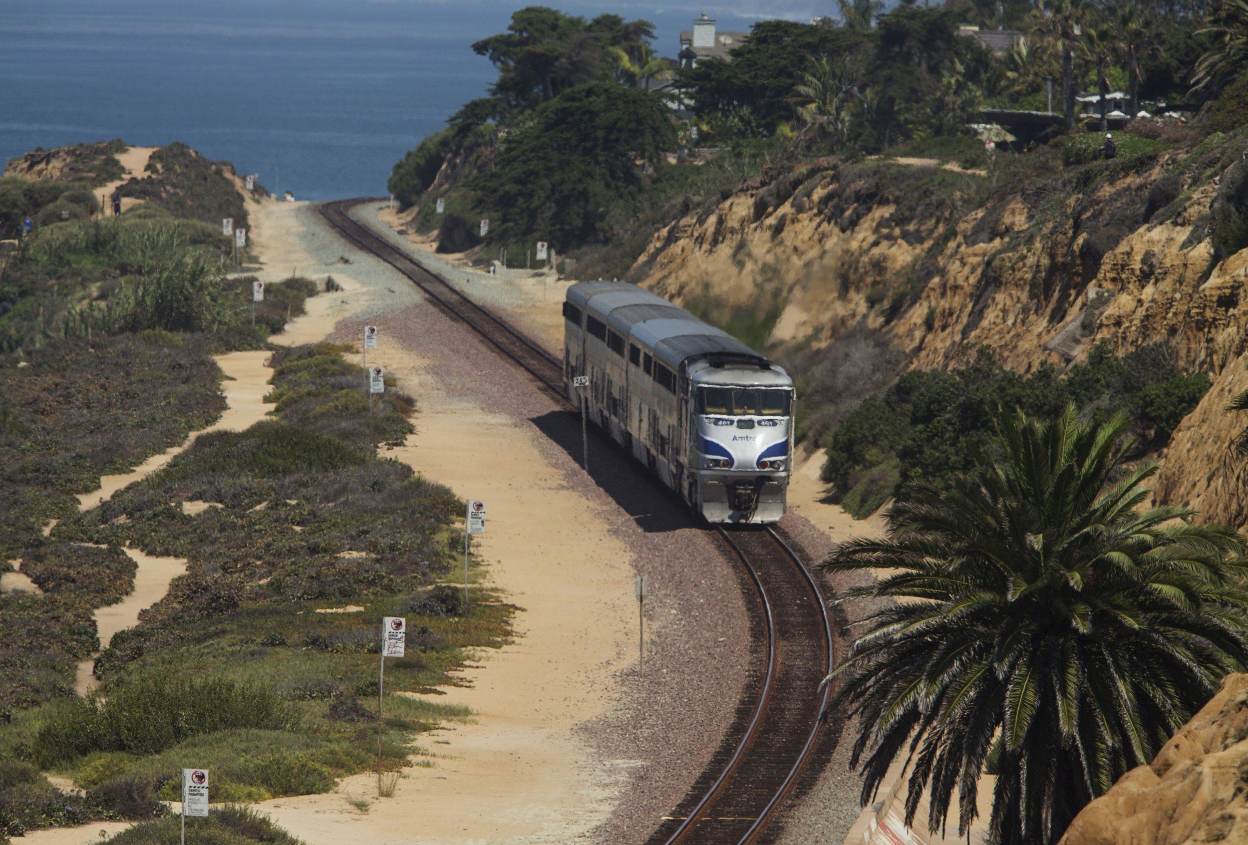 0828_Amtrak_collision_San_Diego_01