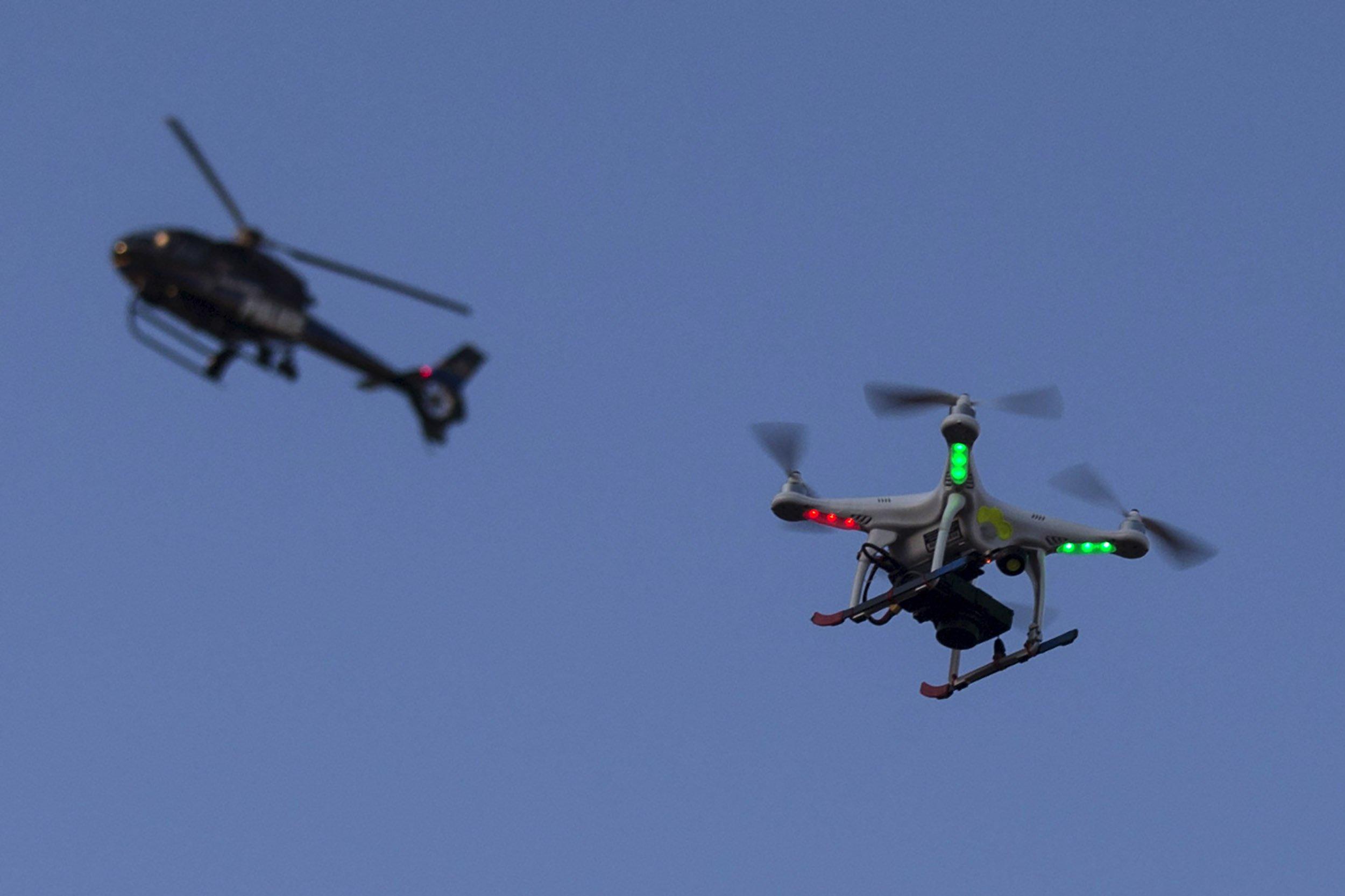 08_28_Drones_01