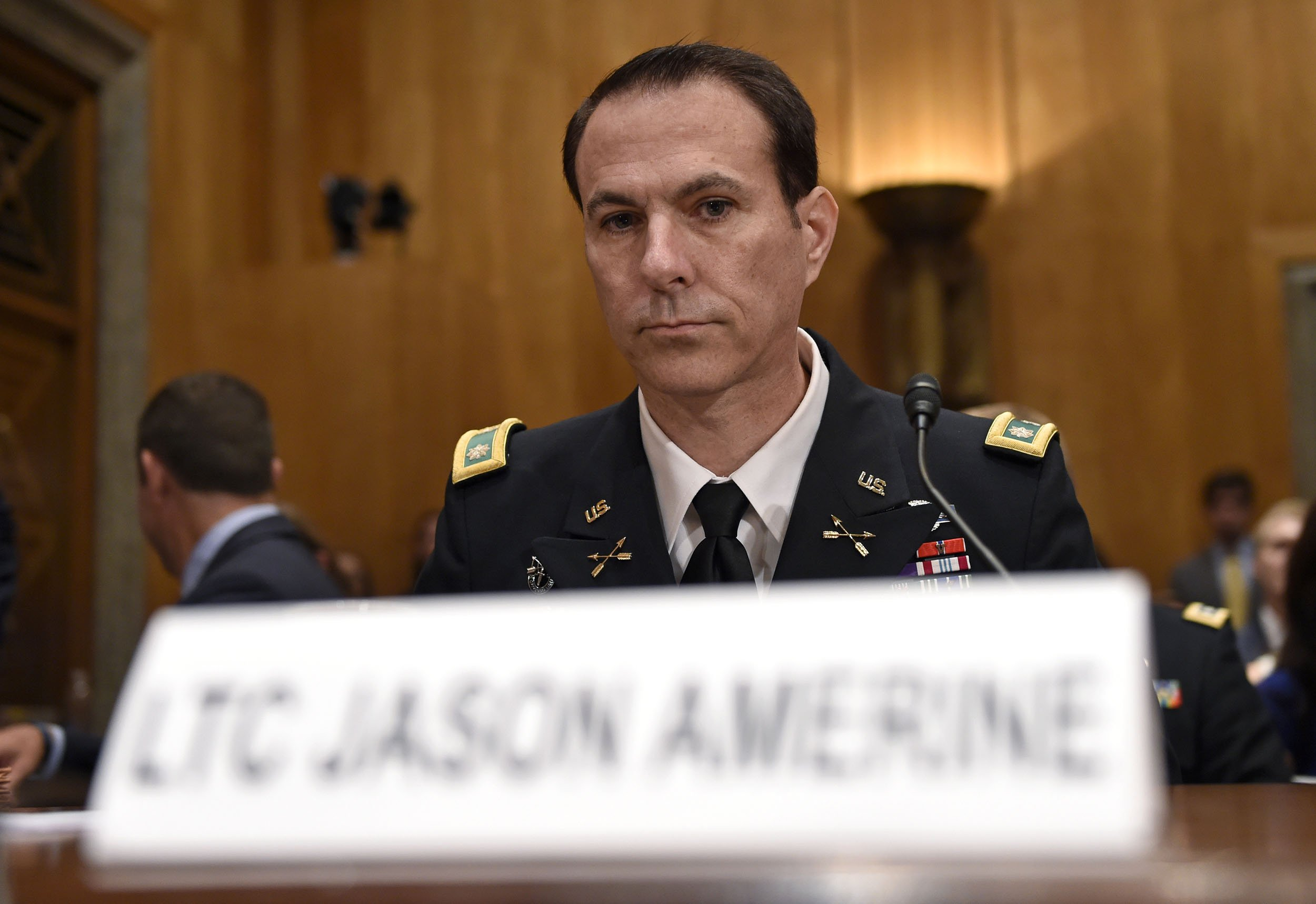 Controversial Green Beret Retires Quietly With High Award