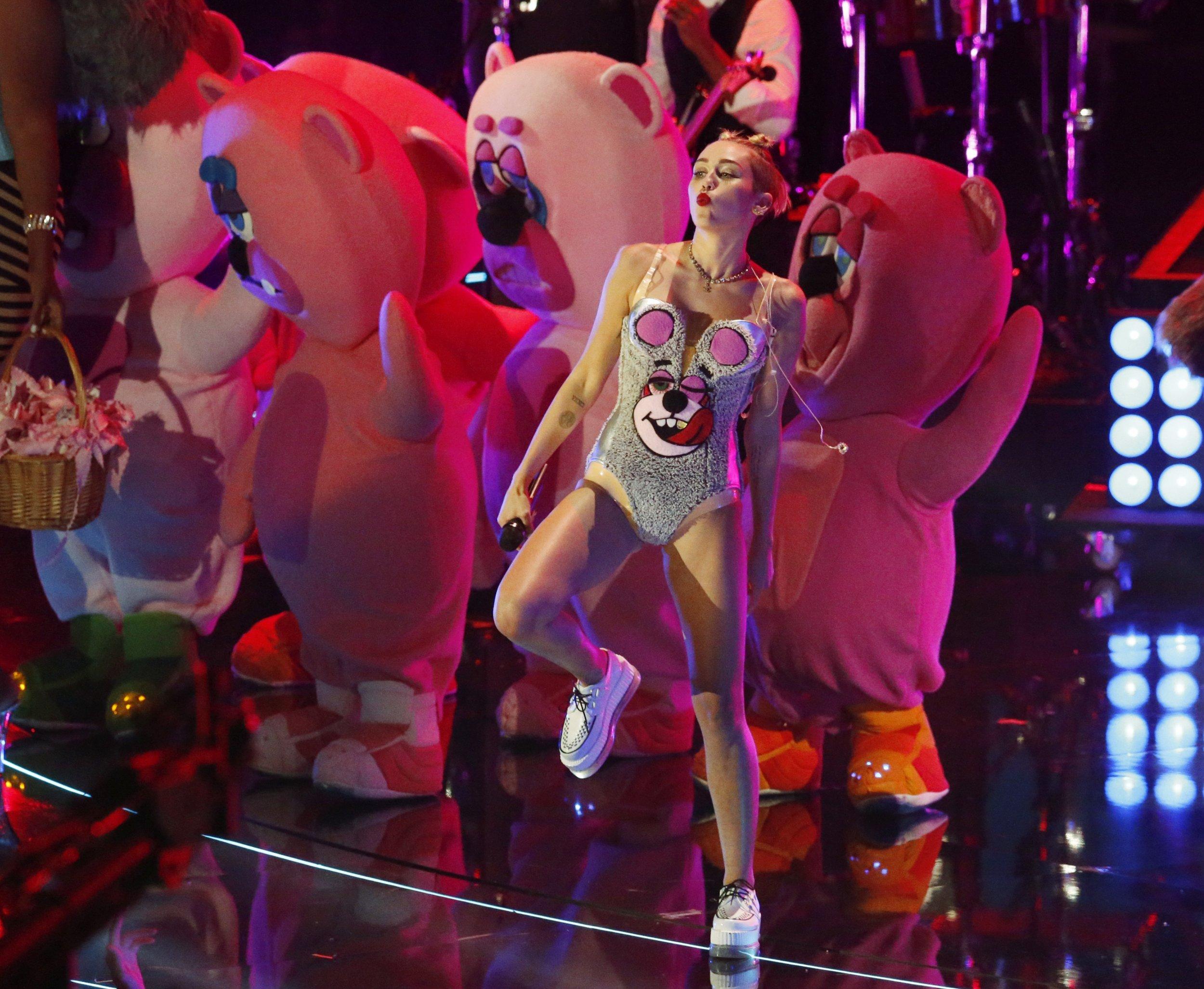 8/30_Paula_Miley