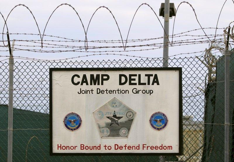 Obama trying to close Guantanamo Bay
